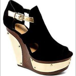 Gianni Bini Black and Gold Platform Wedge Heels 9
